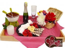 desayunos-a-domicilio-en-medellin-fondue-de-chocolate
